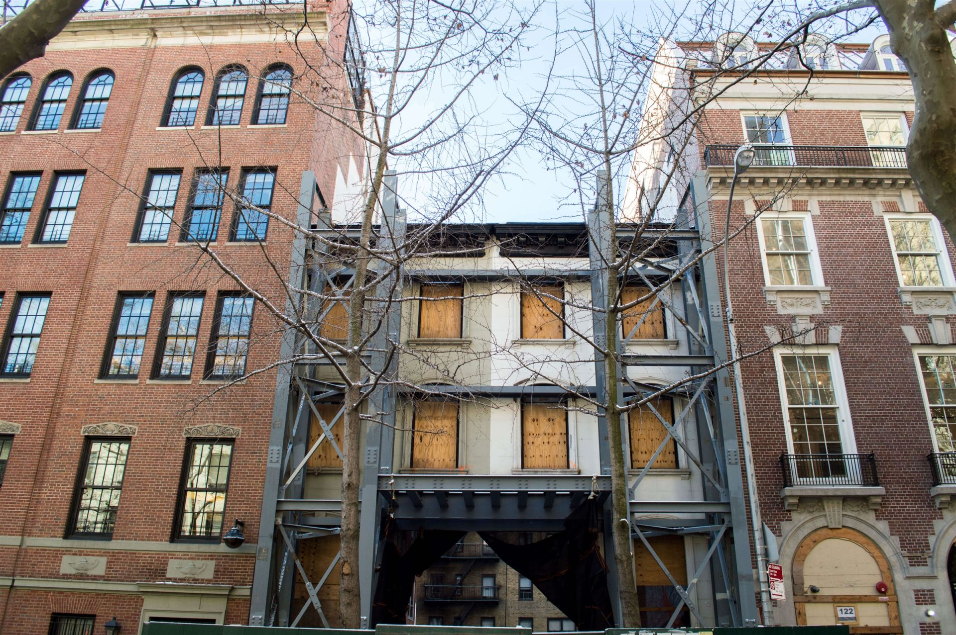 Allen-Stevenson began demolition on the contiguous townhouses at 126 and 128 East 78th Street during the summer of 2015.