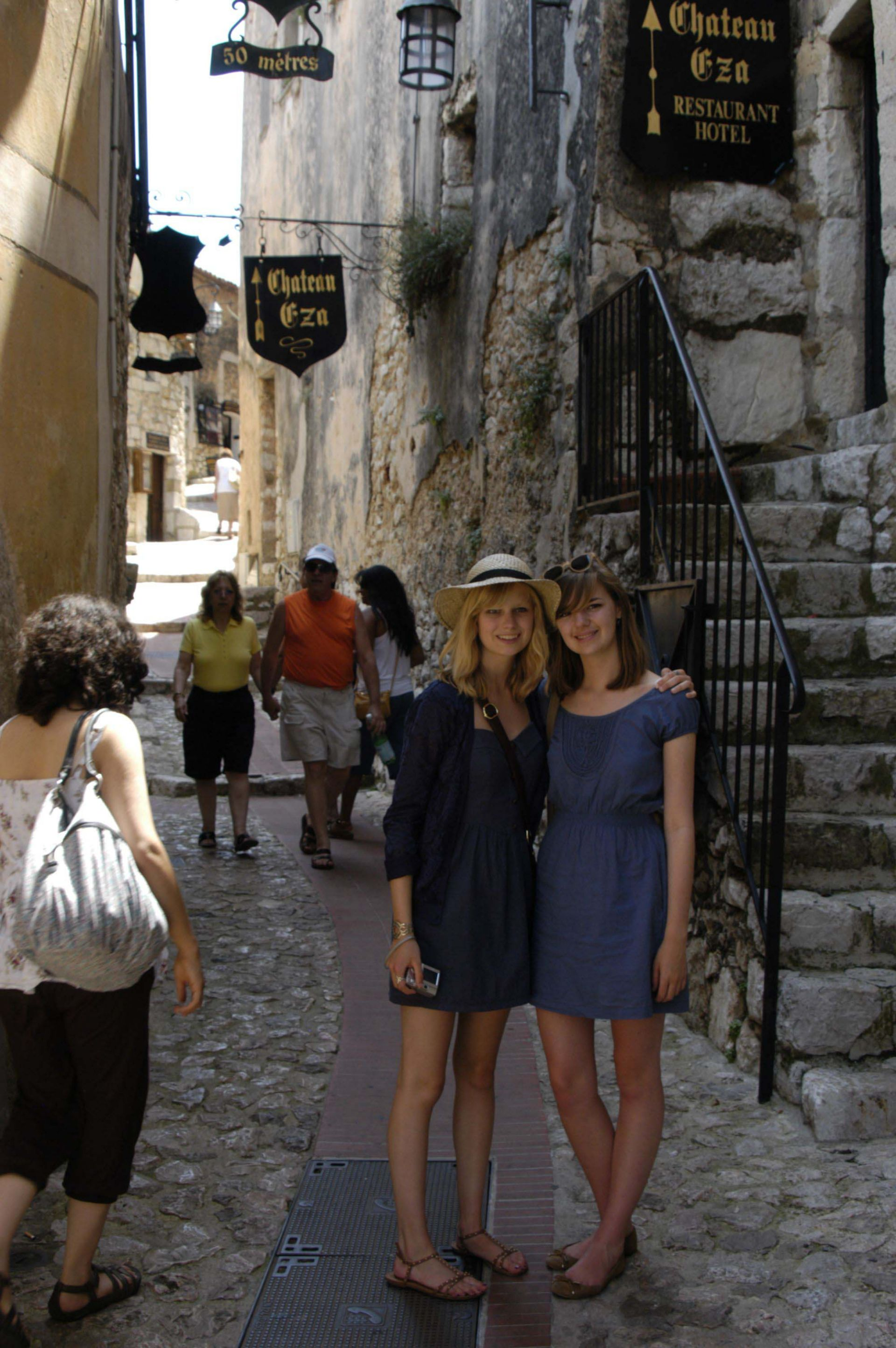 After the family stay in Toulon, students ventured into the hills of Côte d'Azur to Eze.