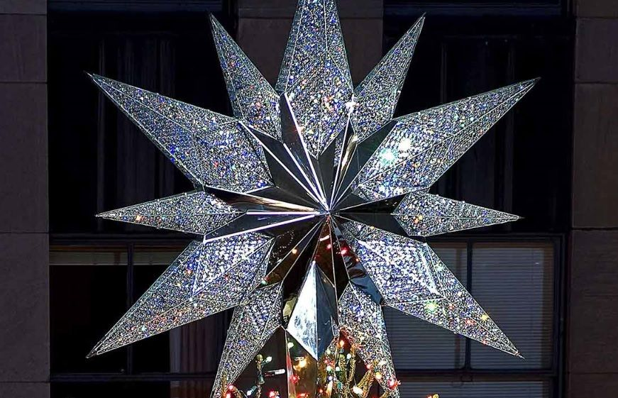 The Rockefeller tree star sparkles
