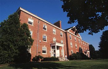 Alumni Hall Alumni Hall has 44 rooms. It has six faculty apartments, a large laundry room, and a renovated common area. It is the largest residence hall on campus.
