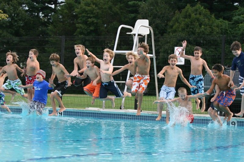 Fessenden Swimming Pools: Used throughout the summer for camps, clinics and activities, the Fessenden campus is equipped with two outdoor swimming pools.