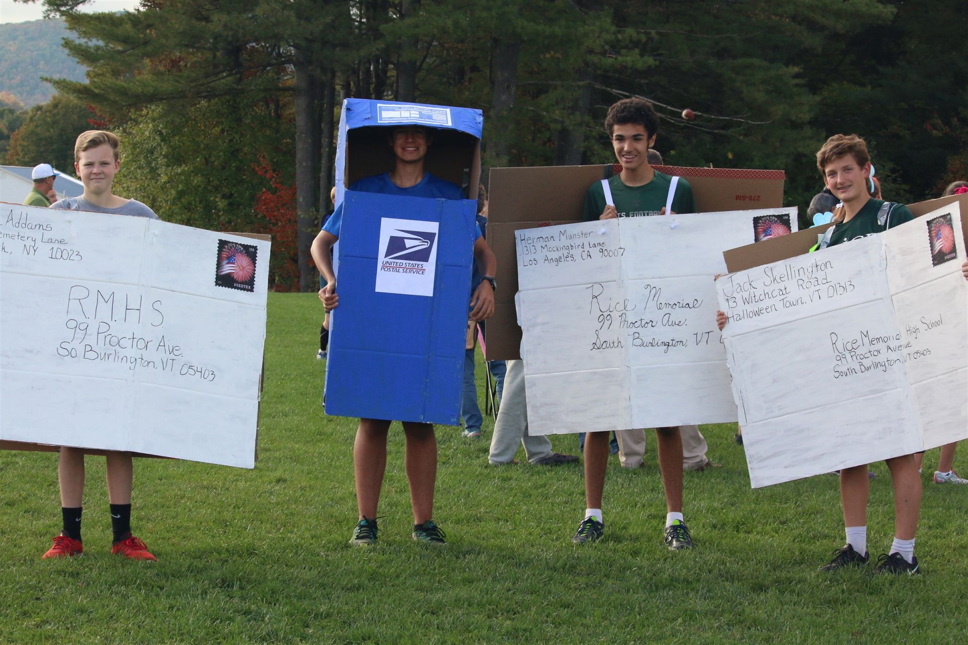 Rice students captured a top prize at the annual Costume Run at BFA Fairfax on Tuesday.