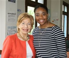 Gail Sheehy (left) and Kadijah Means '11.