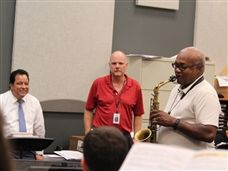 Jazz Musician Ronald Carter visits with Upper School Jazz Ensemble Students