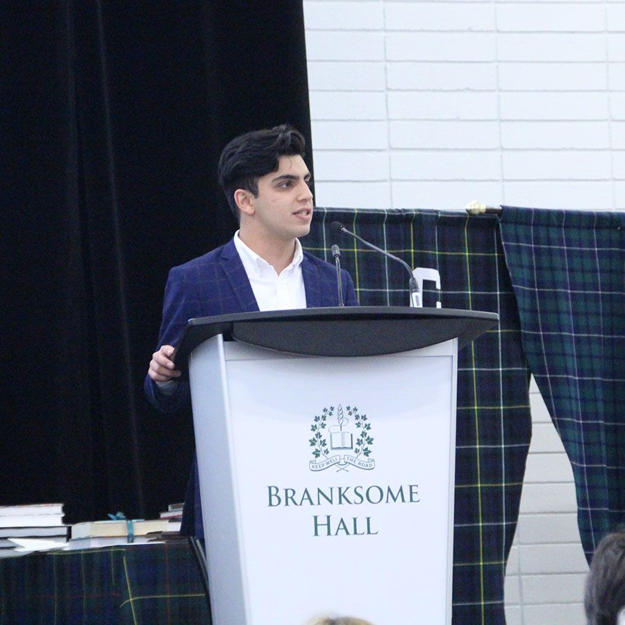 Asmatullah (Asmat) Azizi Arab from Ridley College's Class of 2019, was the guest speaker for Green Carpet. Asmat, who was born in Afghanistan, spoke about his inspiring solo journey from California to Canada to seek refugee status in 2017.