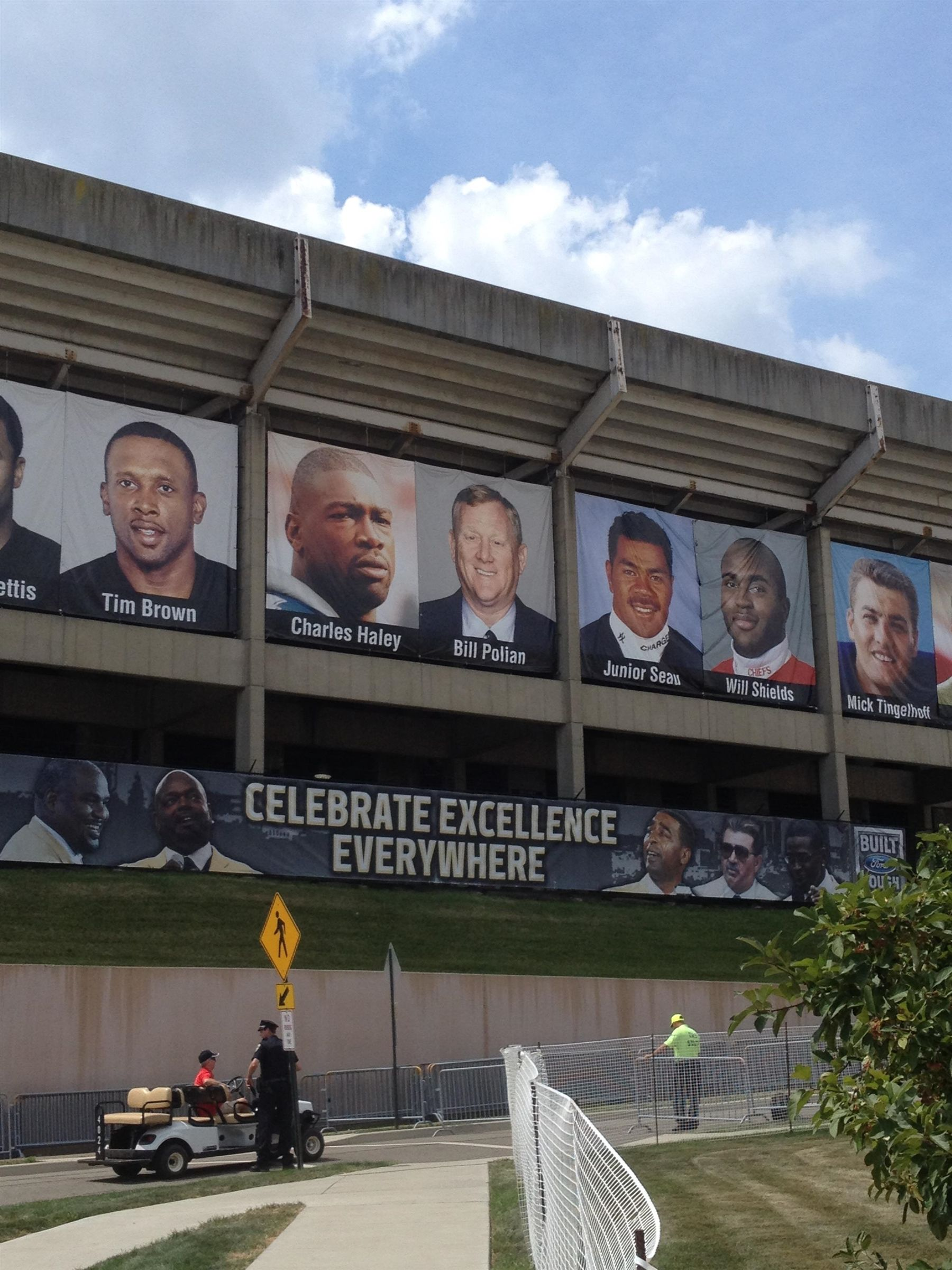 Bill Polian Hall of Fame Ceremony