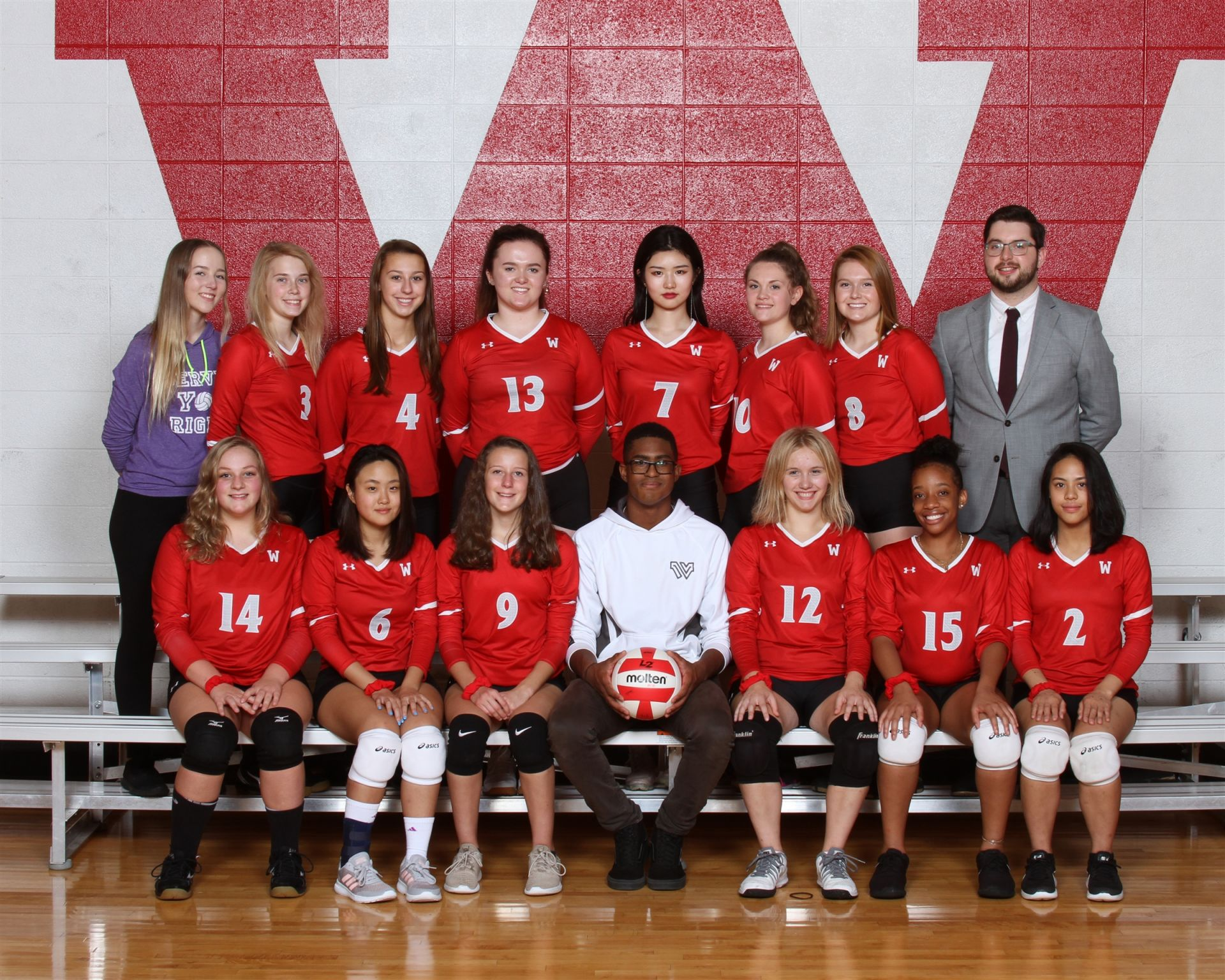 The 2018 Wayland Academy Varsity Girls Volleyball team.