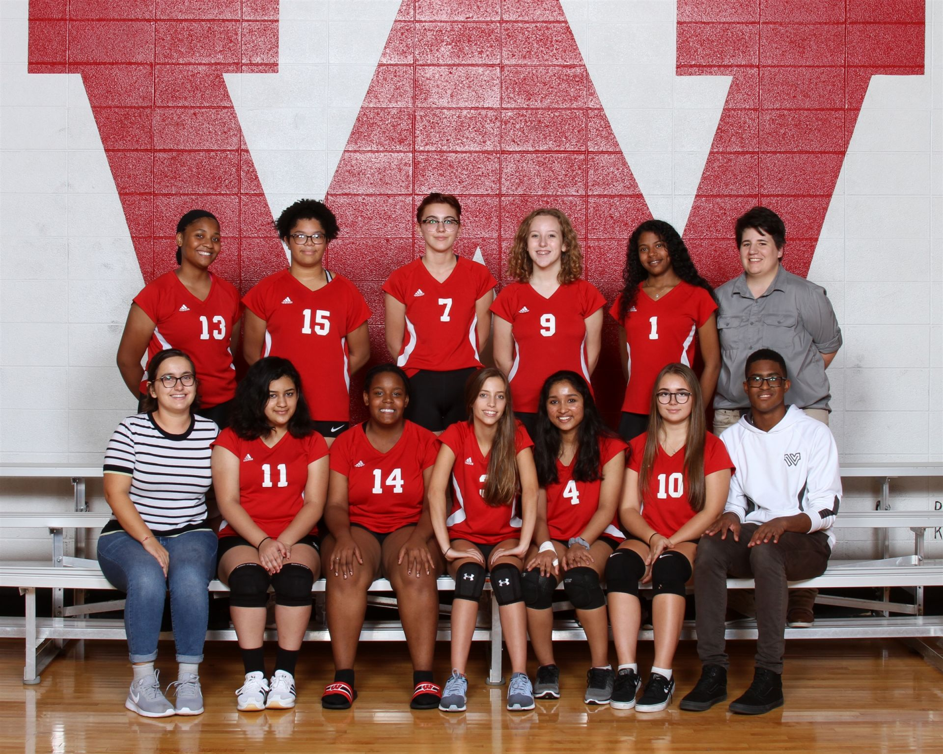 The 2018 Wayland Academy Junior Varsity 2 Girls Volleyball team.