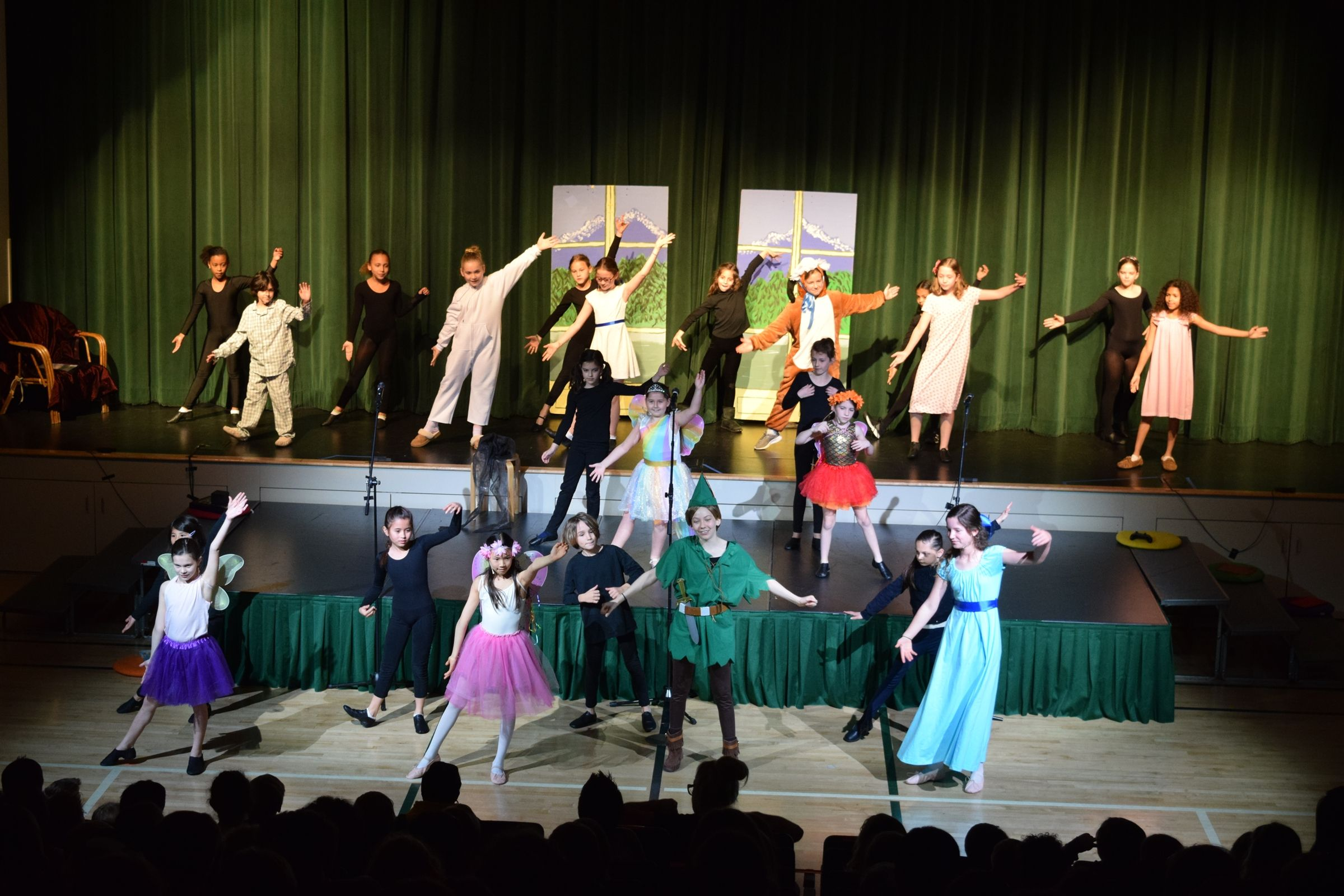 Students grades 2-6 may elect to participate in the After School Musical program.