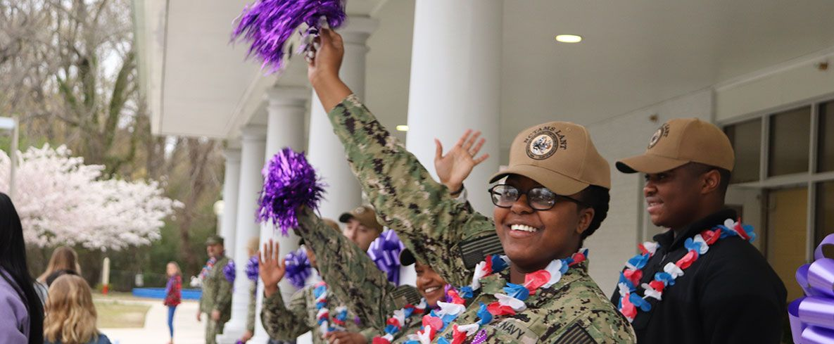 Norfolk Collegiate offers a one-time, 10% tuition discount to all US active duty military for their students in grades K-12.