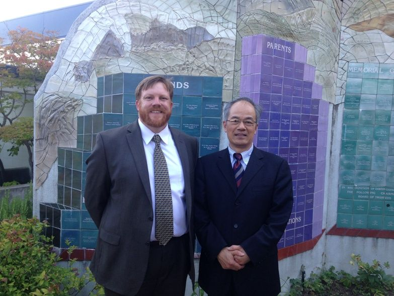 Minister of Education Mr. Fang Maotian from the Chinese Embassy in Washington, DC paid a visit to the Confucius Classroom at St. Mary