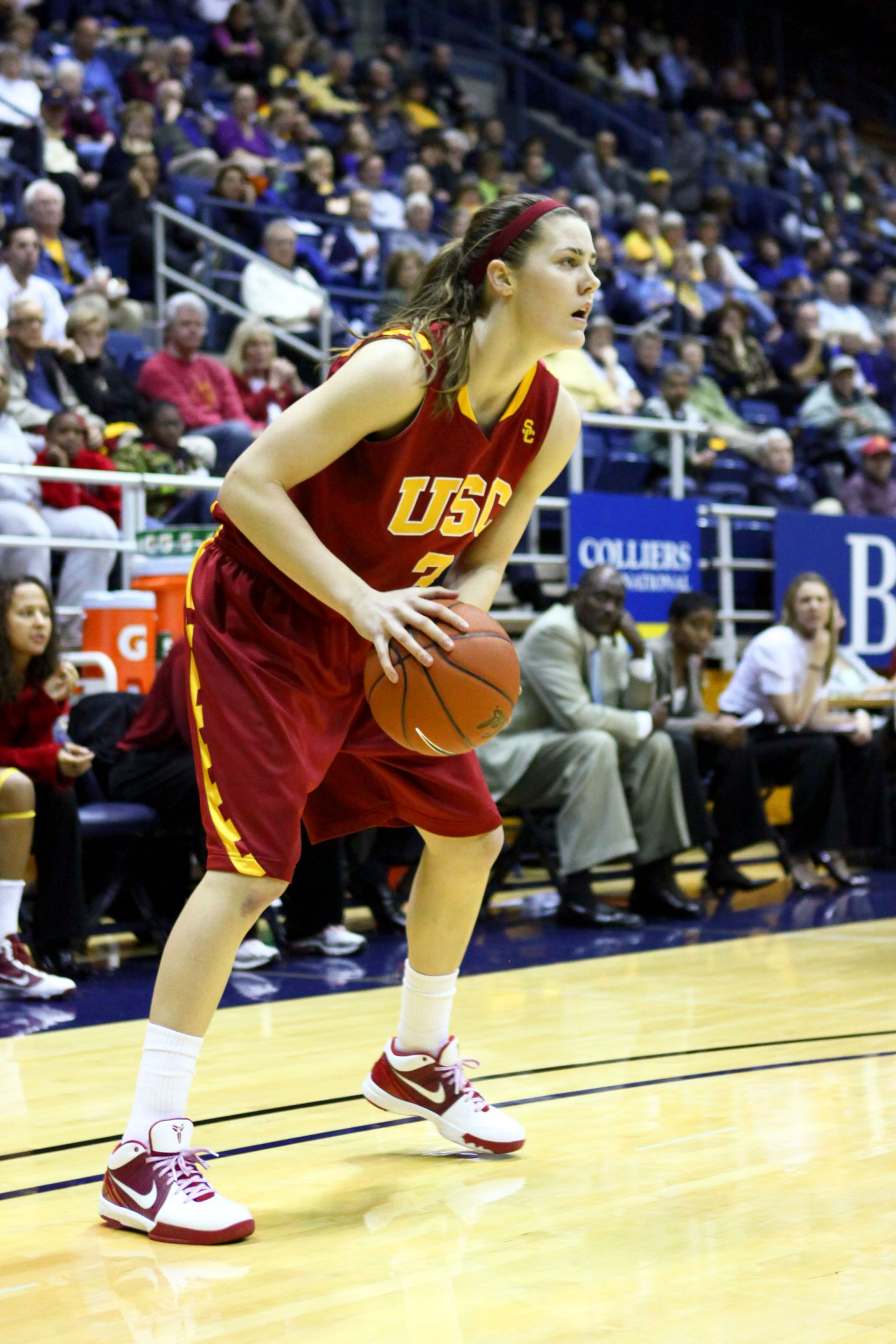 Hailey Dunham '06 - USC Basketball