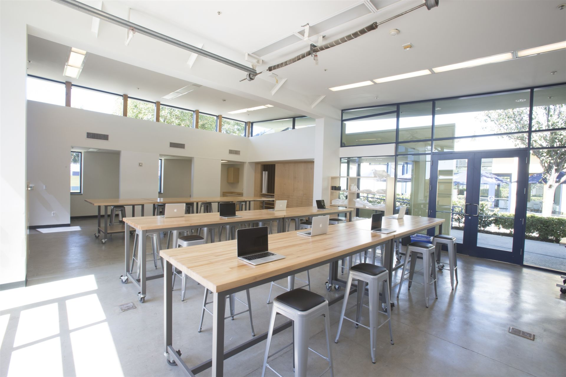 Design Studio Students Have Access To New Macbook Pro Laptops Enhance Both 2d And Curriculum Art