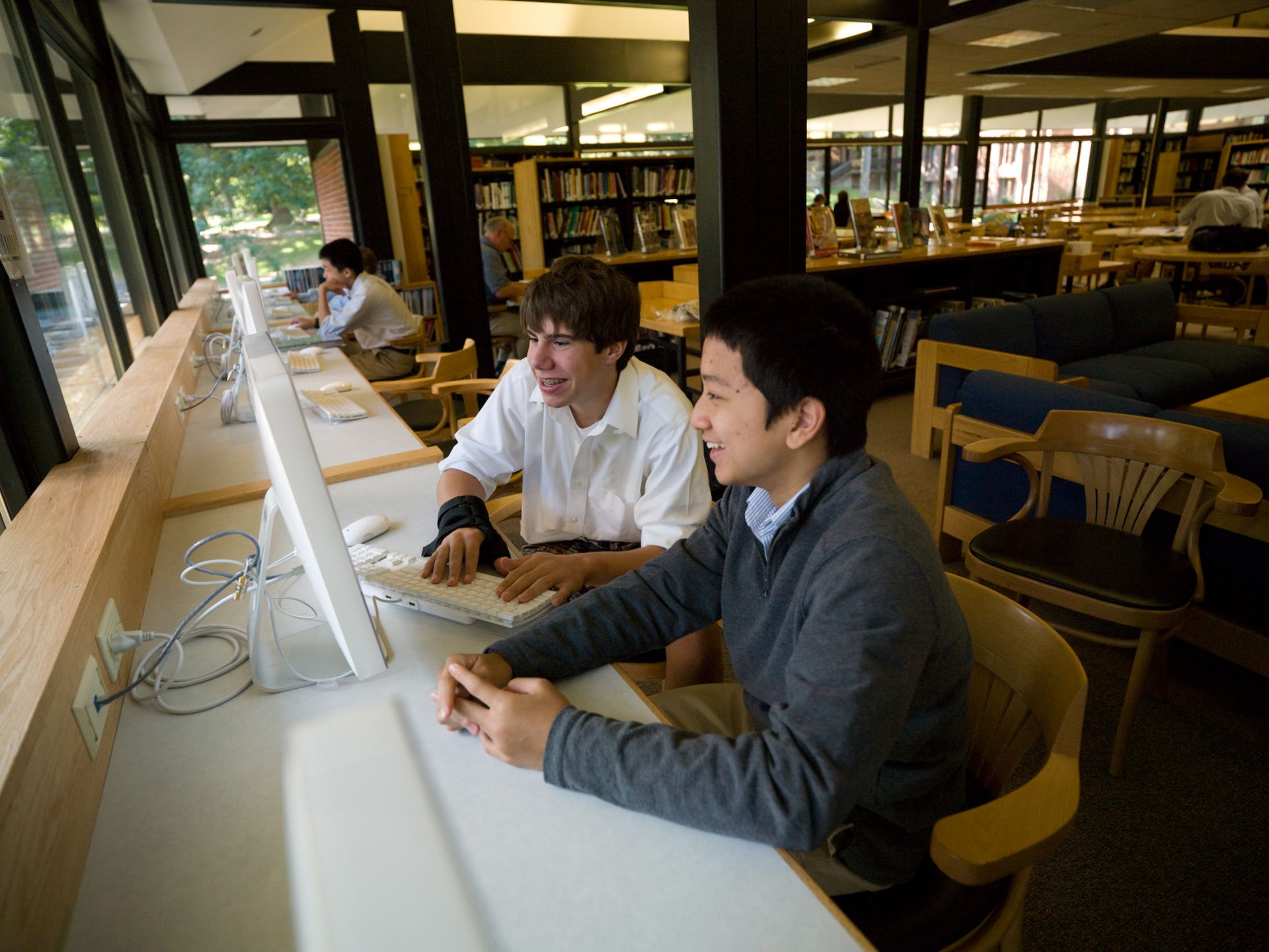 The James S. Copley Library contains 18,000 volumes, Internet access, five hundred books on tapes, 125 periodicals, newspapers, printers and a copier. Boys use the library for study, research, projects and reading for pleasure.