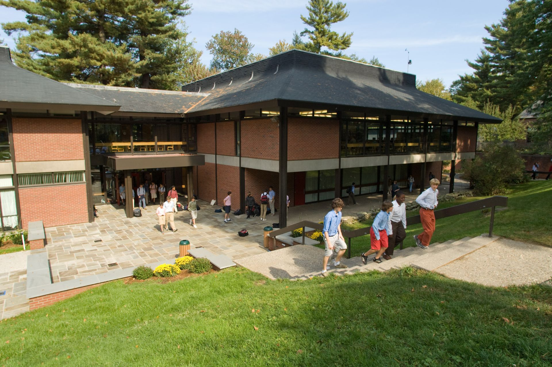 The C. Thurston Chase Learning Center has twenty classrooms, a faculty area, library, computer room, secondary school placement office, and assembly area. The entire school is wired for internet access.