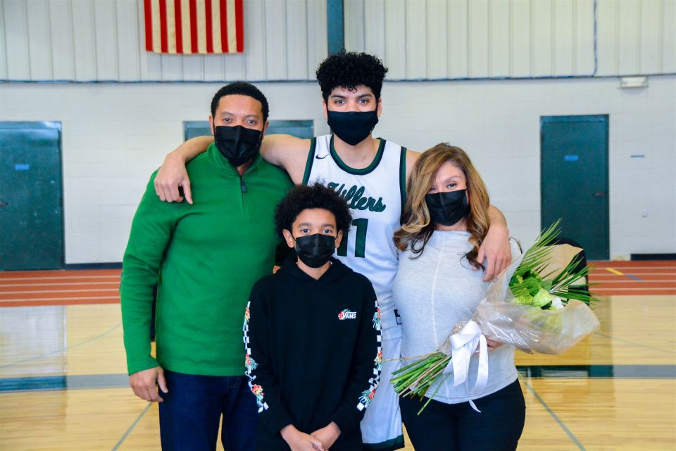 2-20-21_BasketballSeniorNight-5528