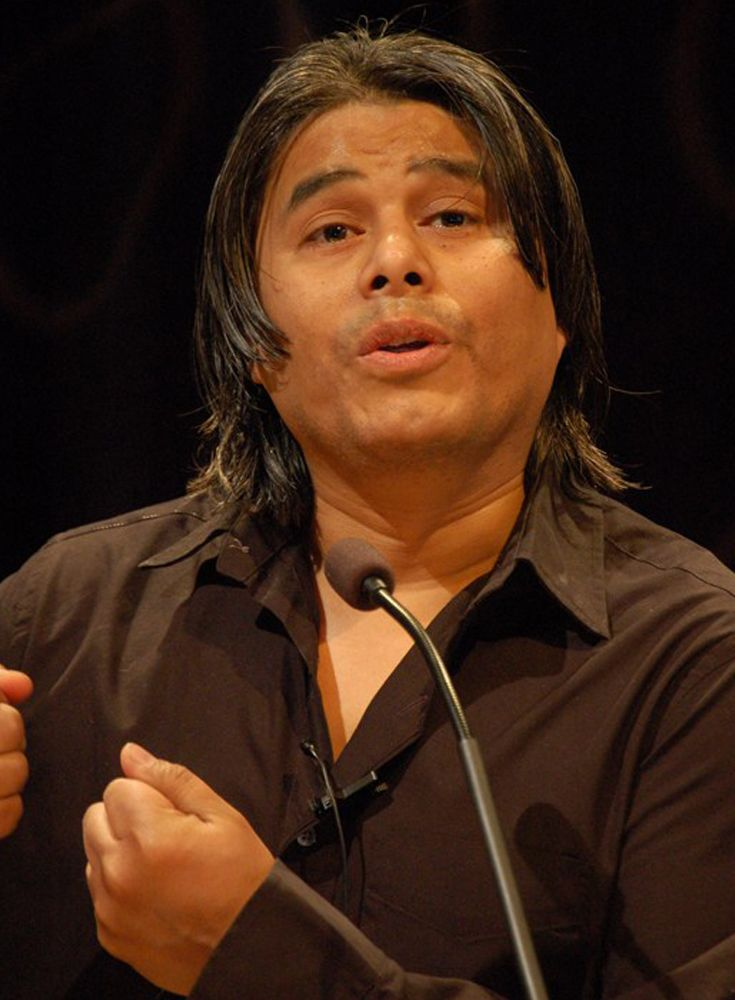 Ernesto Quiñonez, author of the acclaimed books