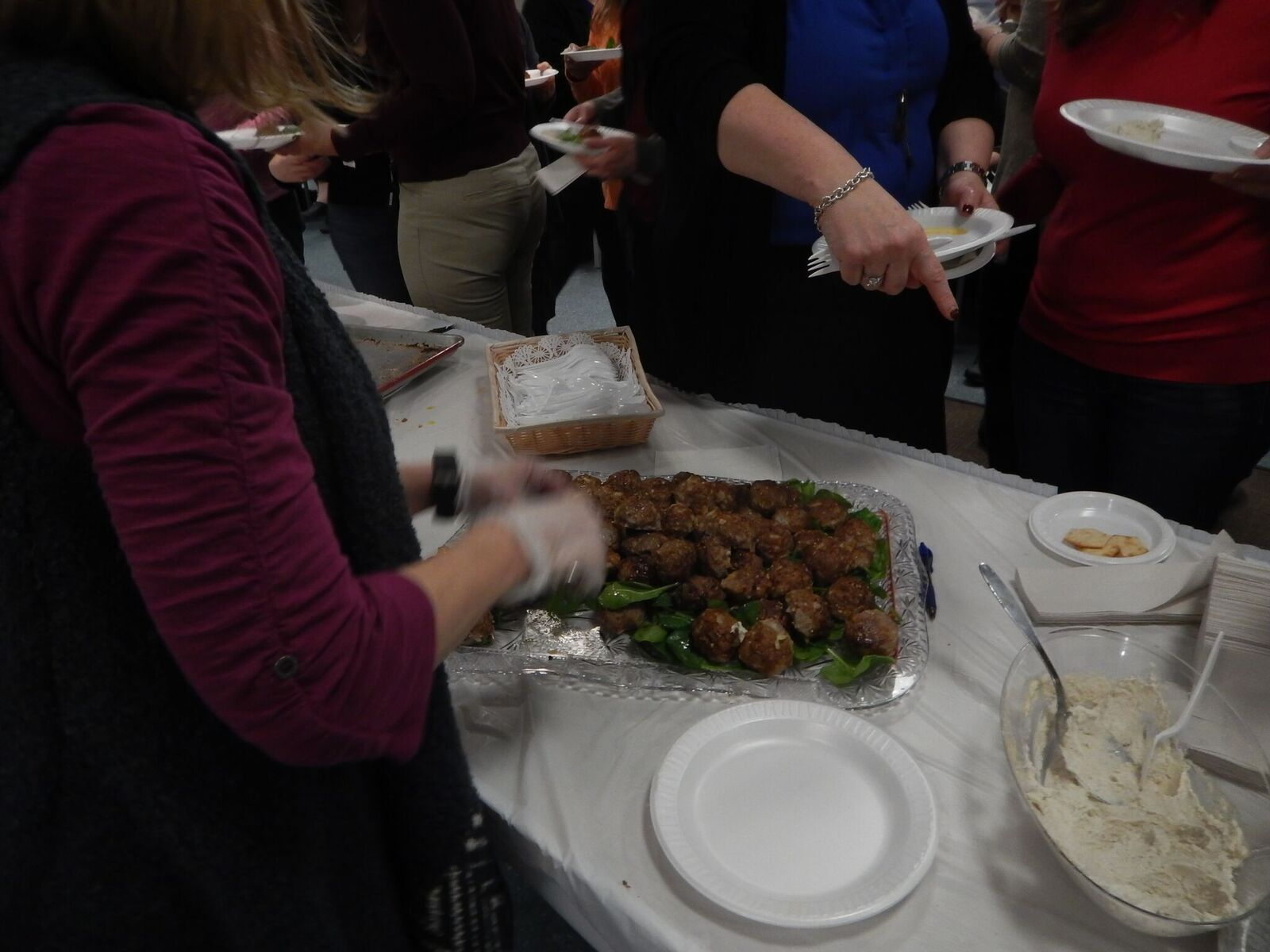 Ora Imanoel gave Sisterhood members and guests a new take on some of our favorite Pesach dishes. The group thoroughly enjoyed sampling all of these delicious foods.