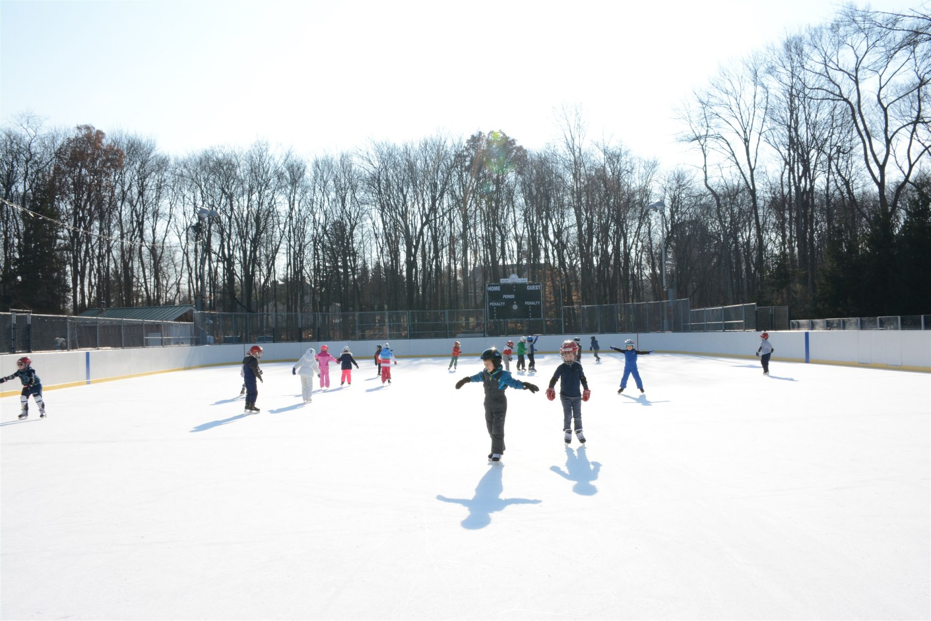 Children skate every week during the winter trimester