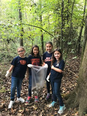 3rd grade shows civic pride by cleaning-up the campus