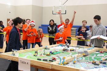 In 2018, Lakeview's Middle School Robotics (orange) team won the Core Value award at the state competition