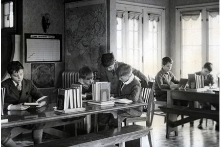 1588 Ansel Road. Boys in Ansel Road library.
