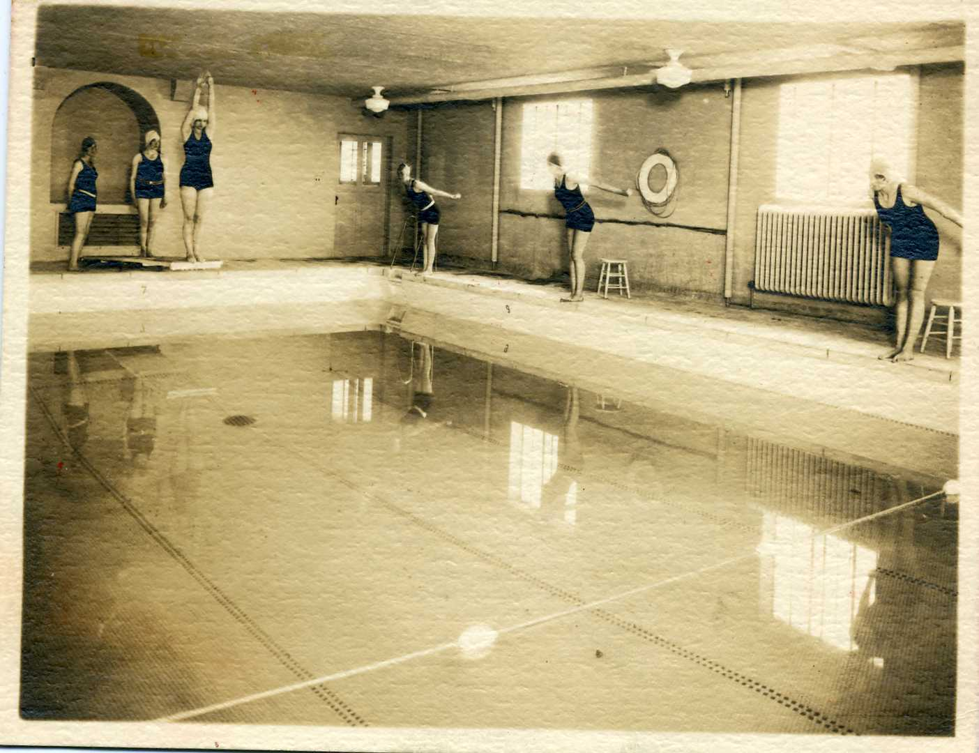Swimming pool in the 1920s