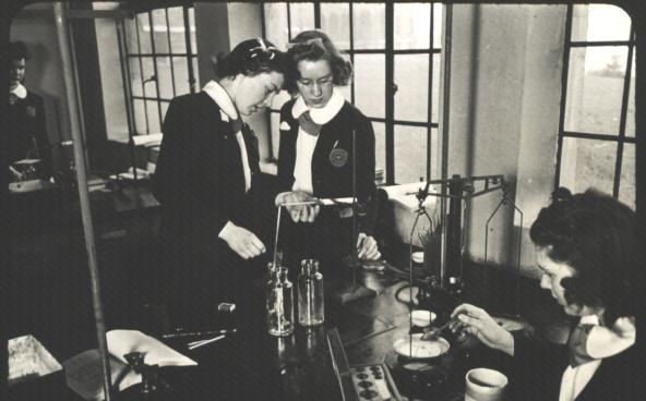 Chemistry class in the 1930s
