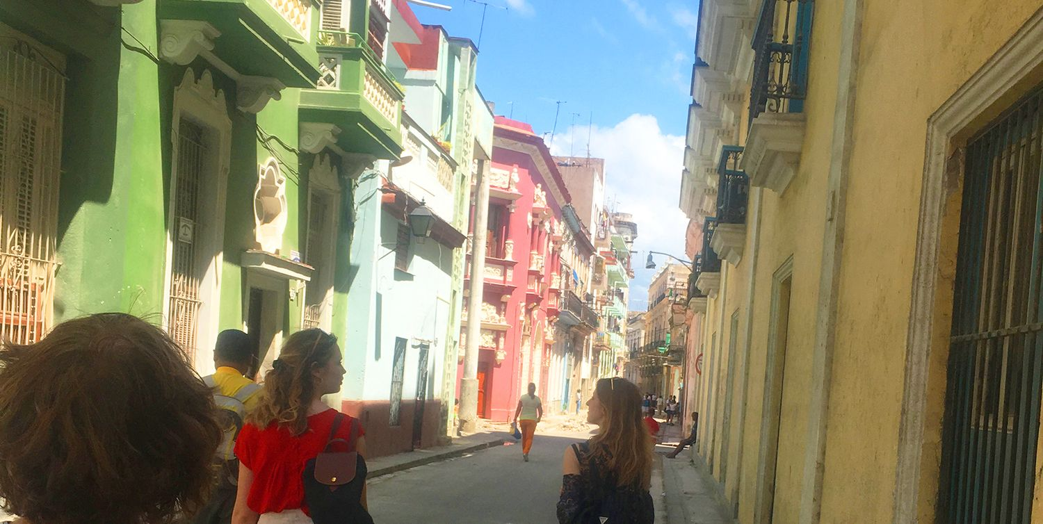 Travel is an integral part of the (s)Electives program. Model UN/Global Action traveled to Cuba to learn about politics, culture and language.