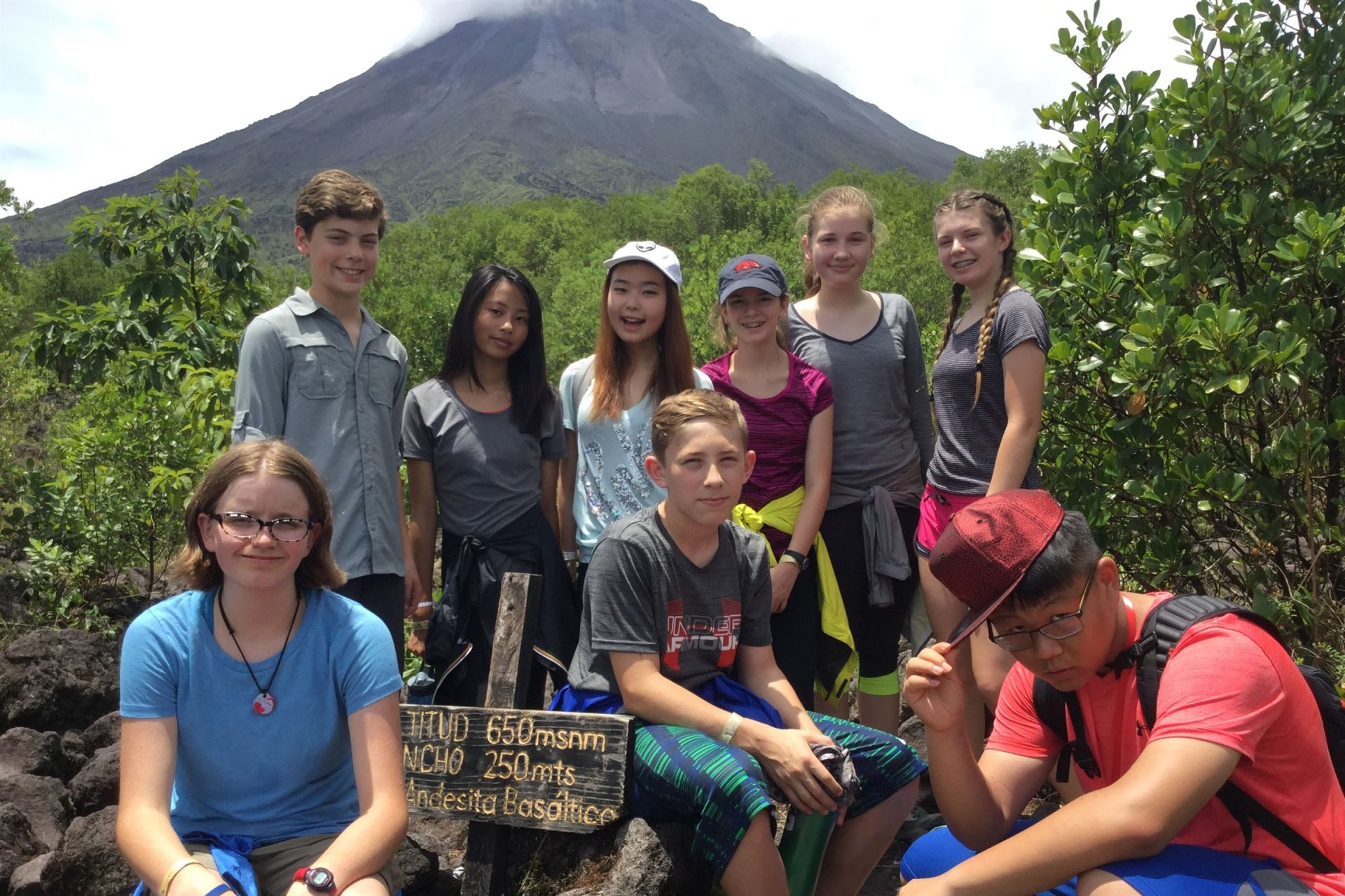 eighth grade students from annie wright in costa rica