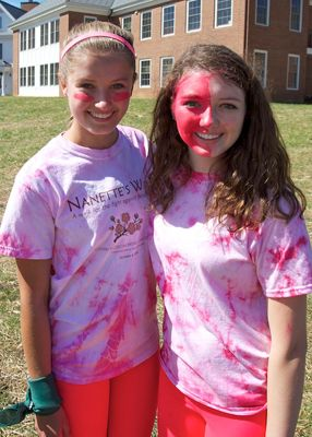 New sophomores Malan and Megan got into the spirit of the day with a little face paint.