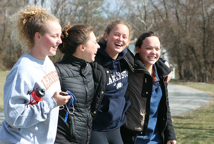 Marina V. '20, Elena B. '20, Anna N. '18, and Ellie S. '18 were happy to walk together for a great cause.