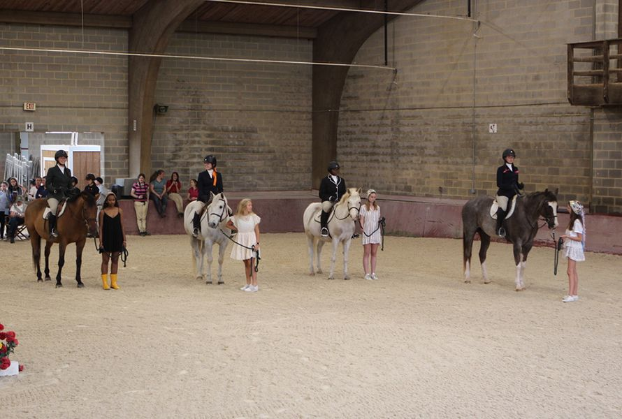 The Lead Line Class lines up as the Fox/Hound Riding competition began.