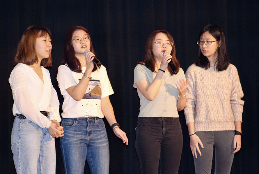 Seniors Maya, Joy W., Cassie Z., and Leslie W. dedicated their Chinese song to their fellow classmates, wishing them a bright future.