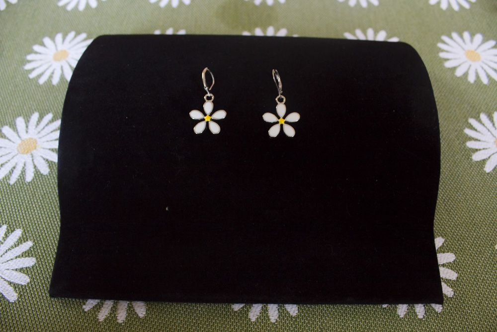 Daisy Earrings - Silver-Plate - Lever Back Fastening