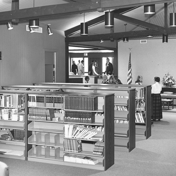 The Harbor Day School library in 1973.