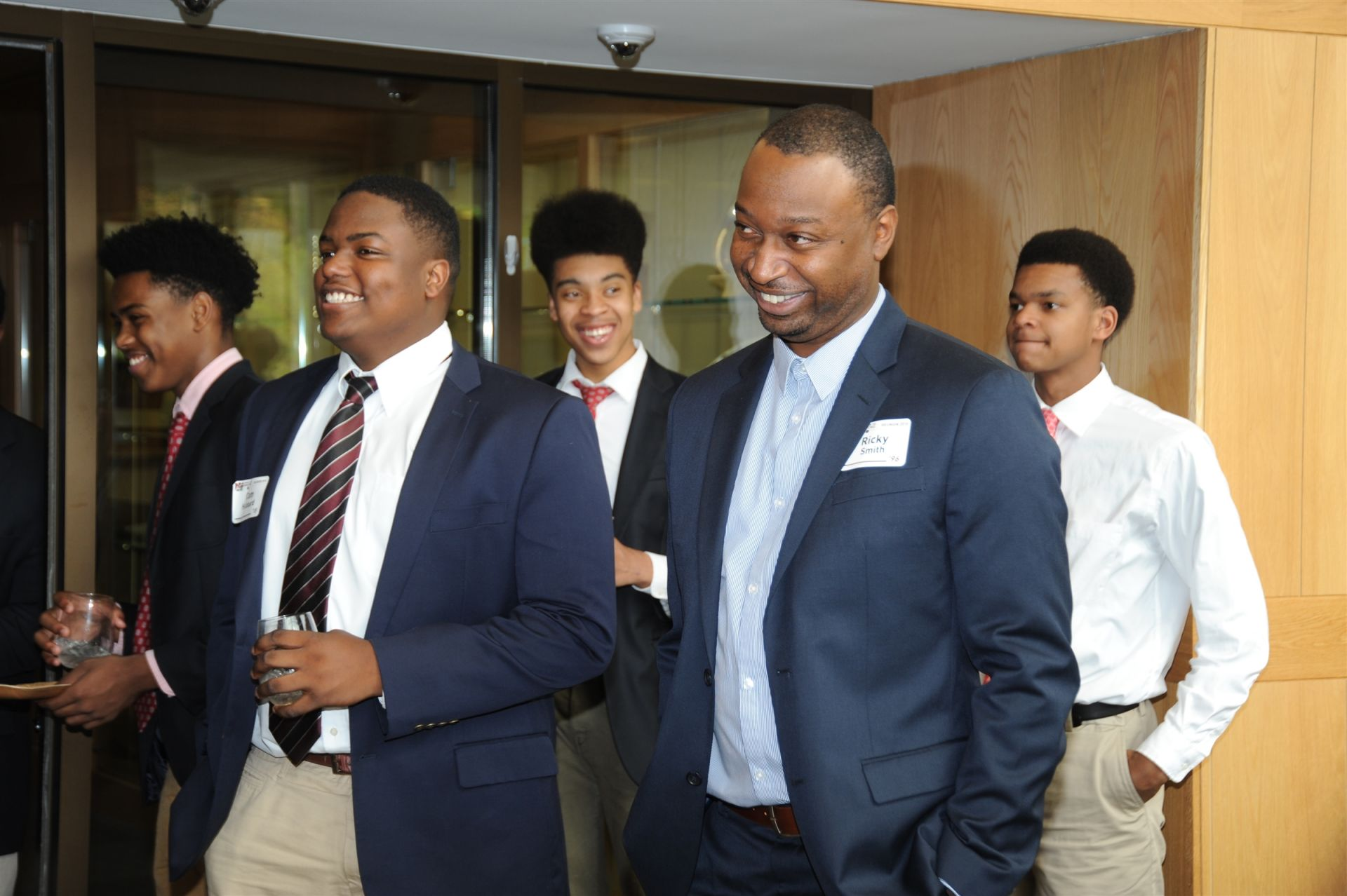 Guest Speaker Ricky Smith '96 and current students at the African American Alumni and Parent Reception