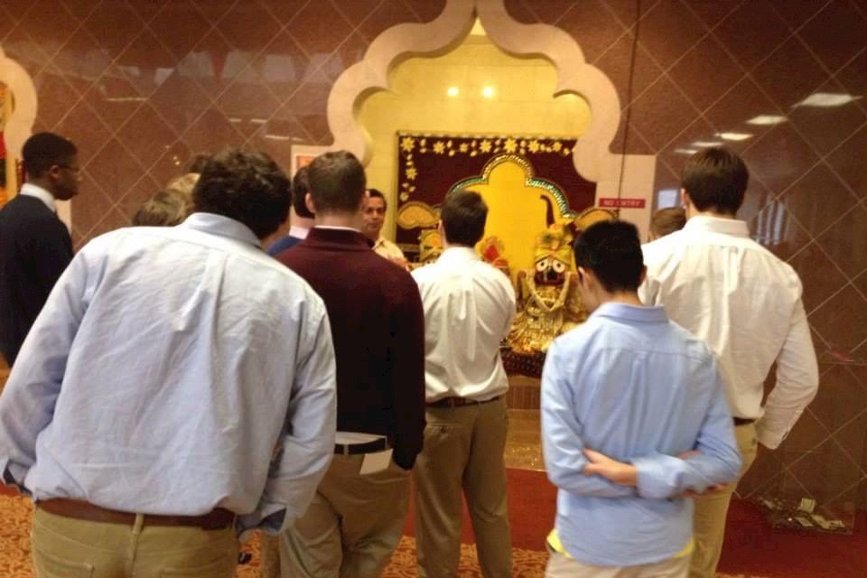 Upper School students visit a Hindu temple with their Ethics and Religion class