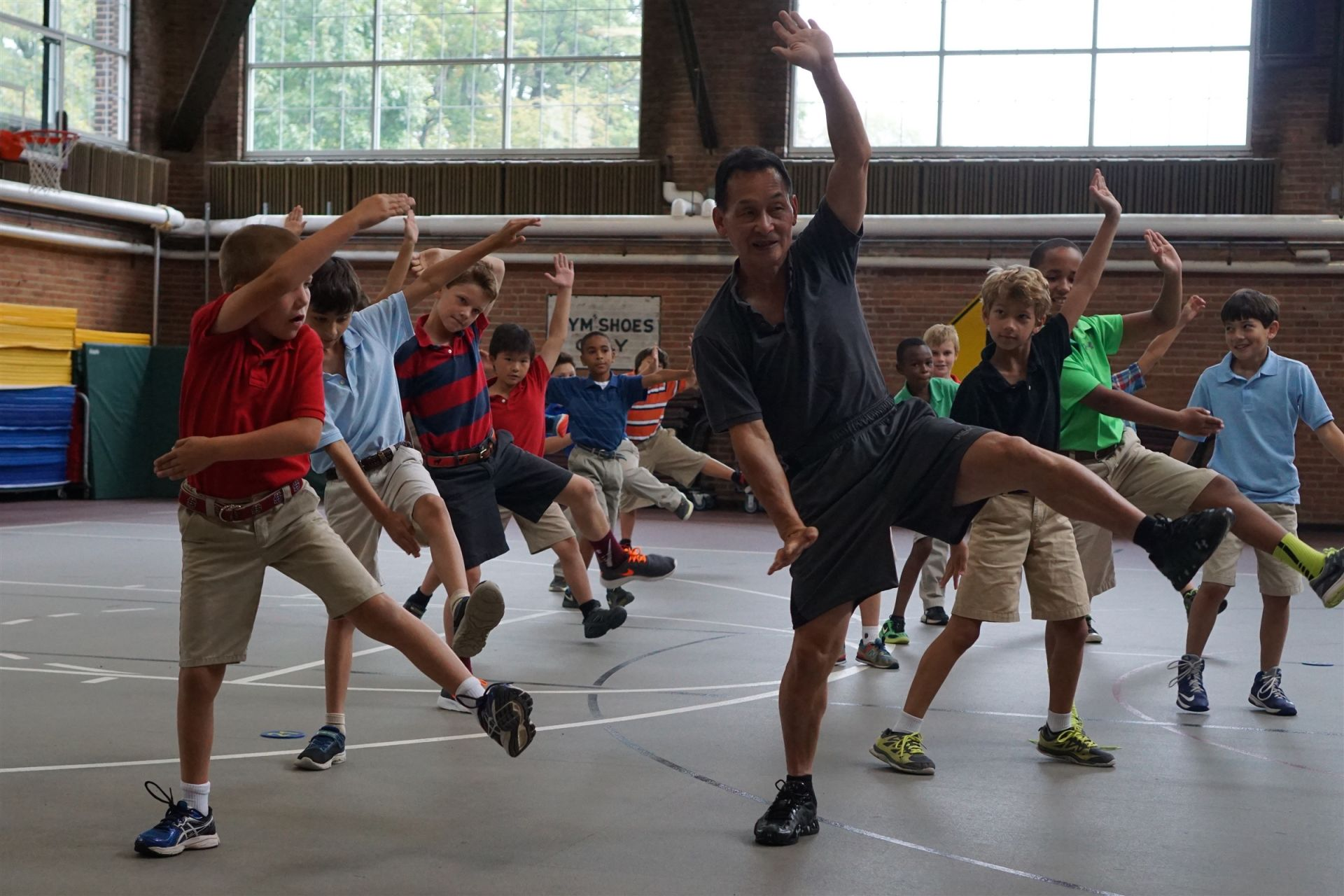 Fourth Graders learn tai chi