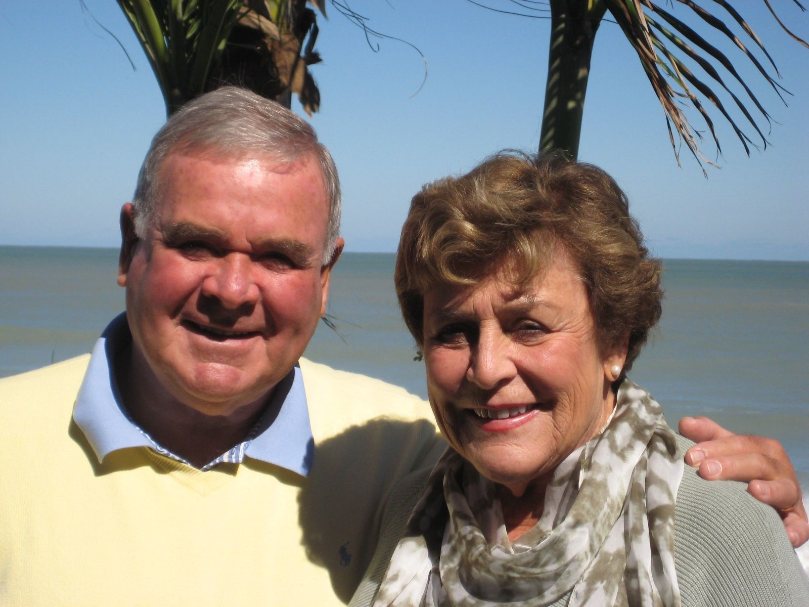 Pam and Dave Perry '52 met for lunch on October 29, 2012 in Vero Beach, Florida.