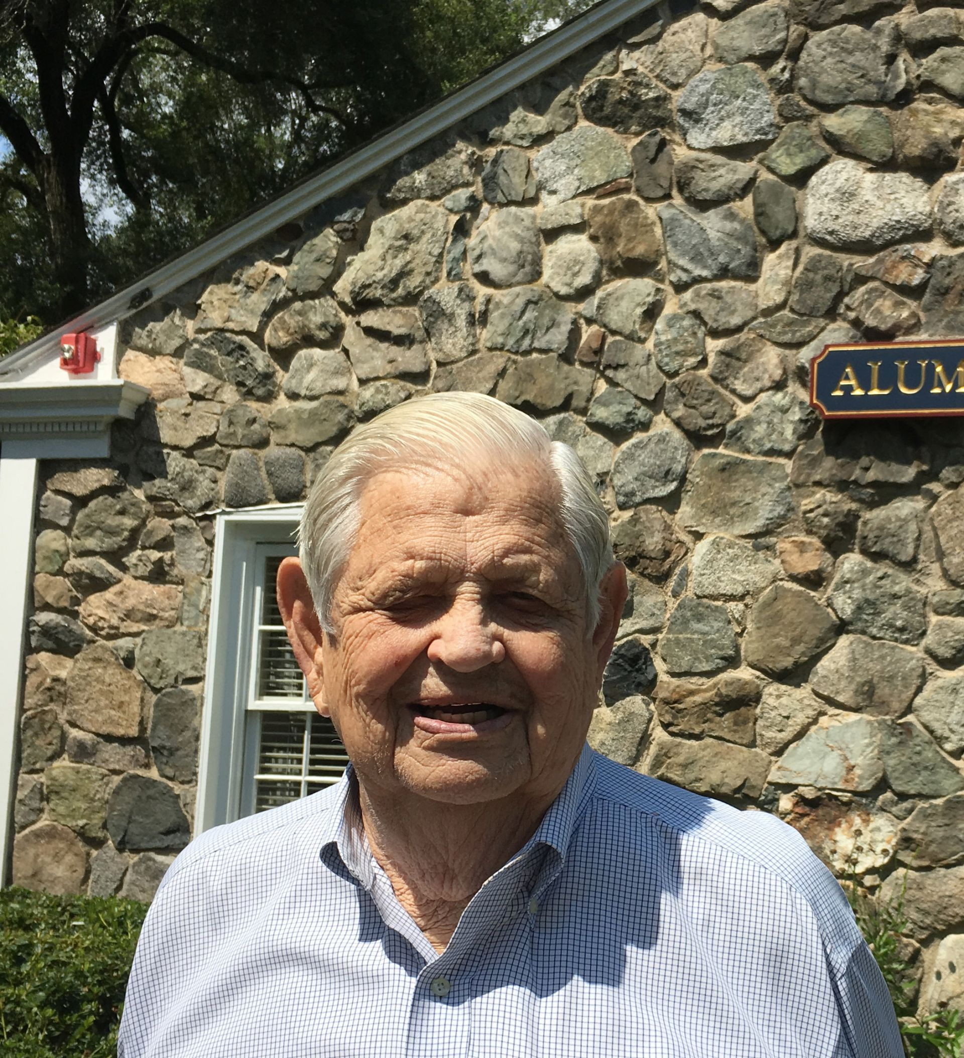 Al Lipkin '50 visits Alumni House  on August 22, 2019.