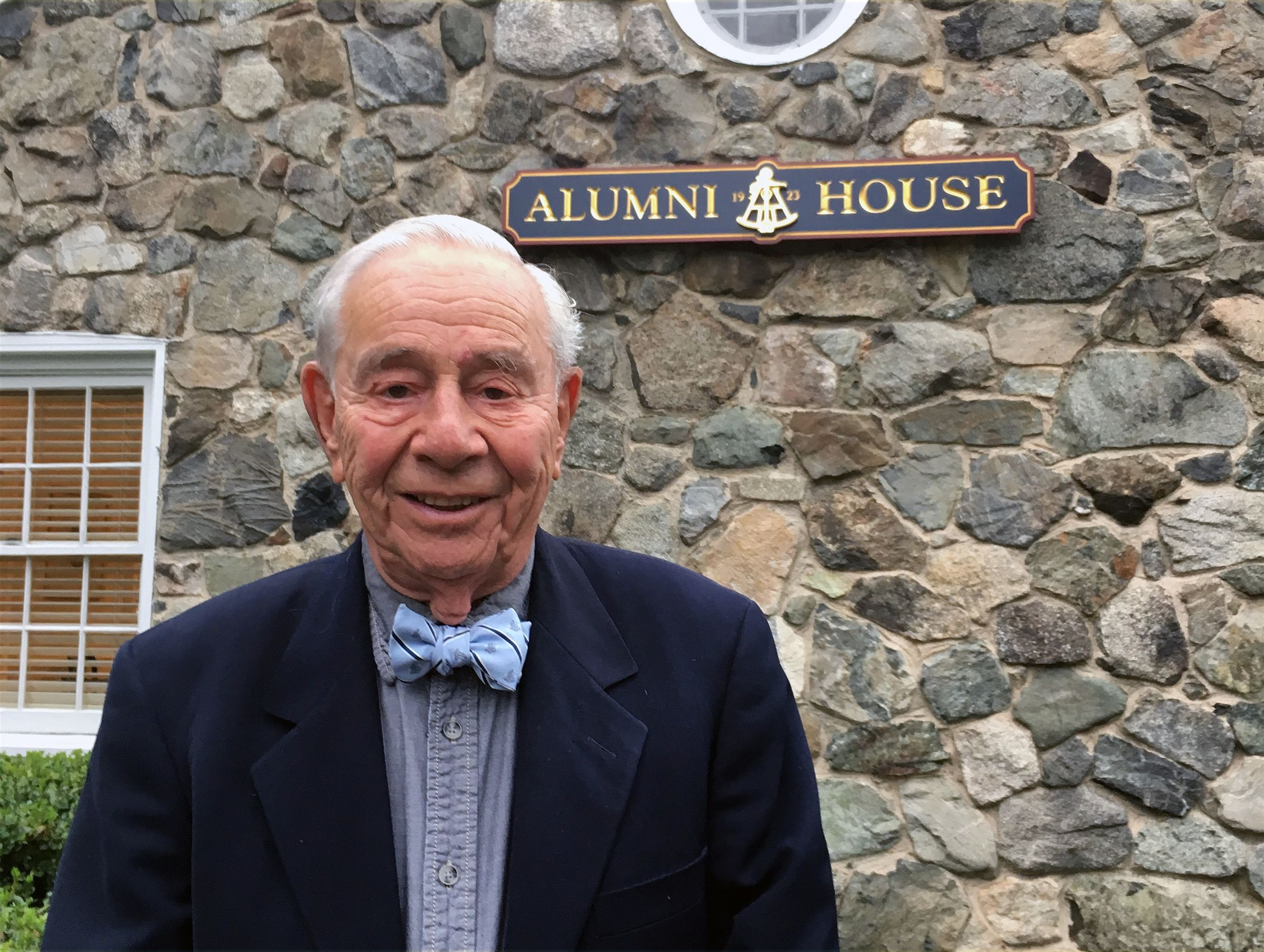 Robert Blacklow '51 visits the Alumni House for lunch in October, 2019.