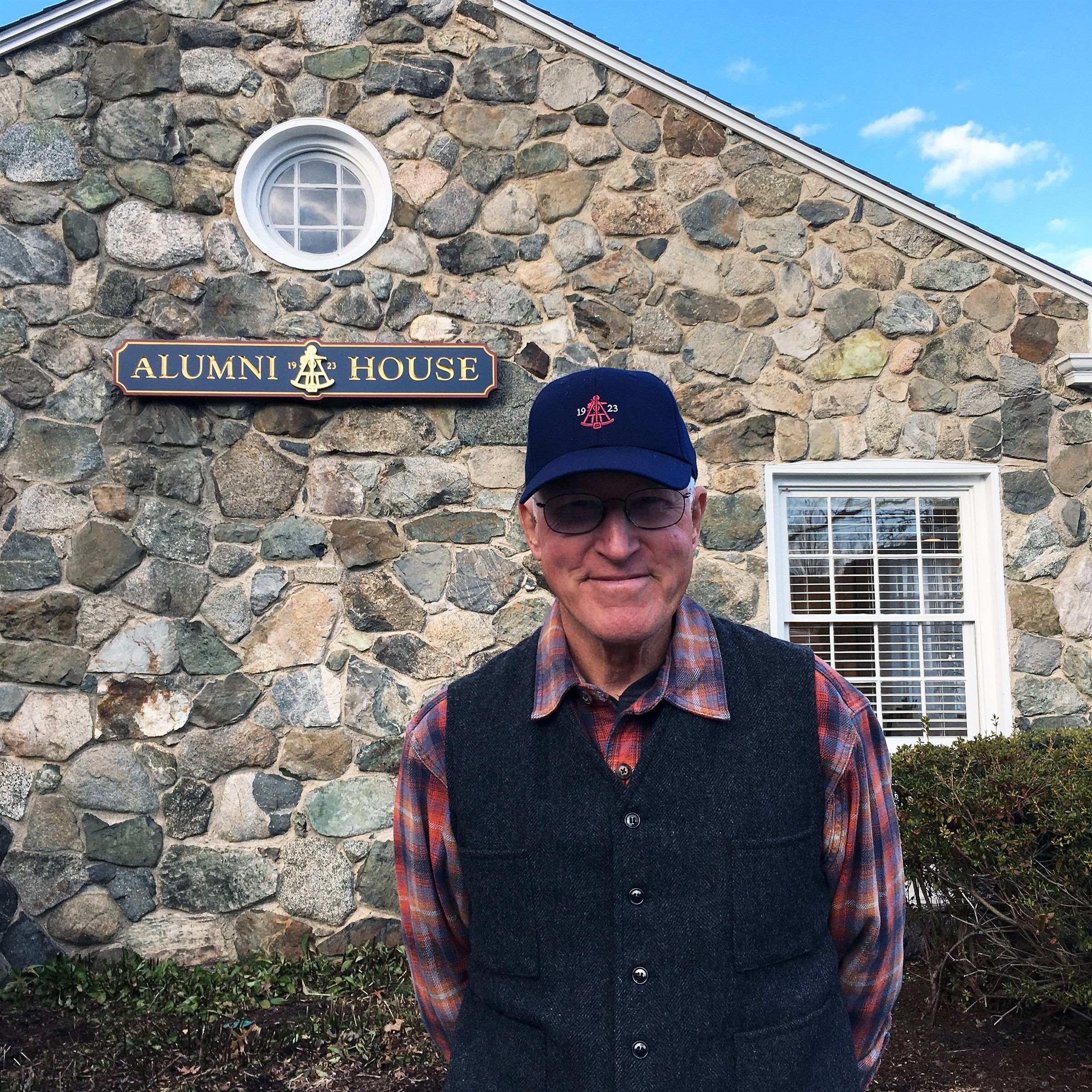 Will Mack '57 visits Alumni House, January 2020