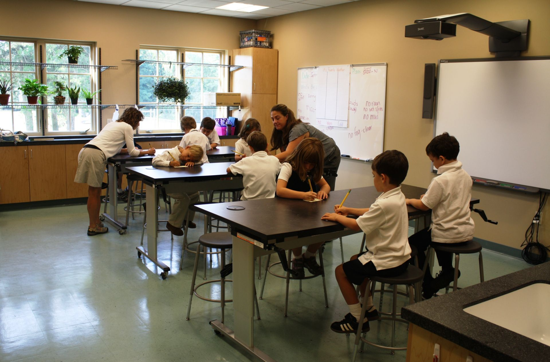 The fully equipped, state-of-the-art Lower School Science Lab engages students in hands-on, inquiry-based learning