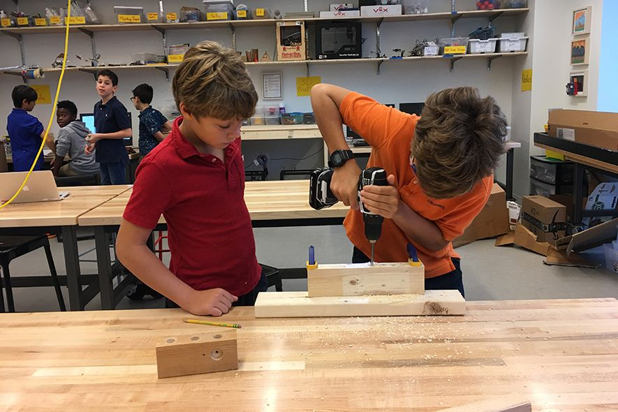 The Middle School occupies floors 8 and 9. It has its own Maker Space, along with flexible classrooms, a Middle School Center and large, modern group study spaces.