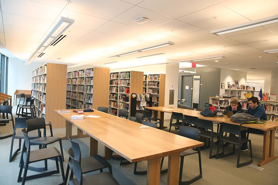 Collegiate's library is on floor 5. It features study carrels, group study rooms, as well as a separate Lower School library with a rug seating area, soft seating, and table seating appropriate for Lower School students.