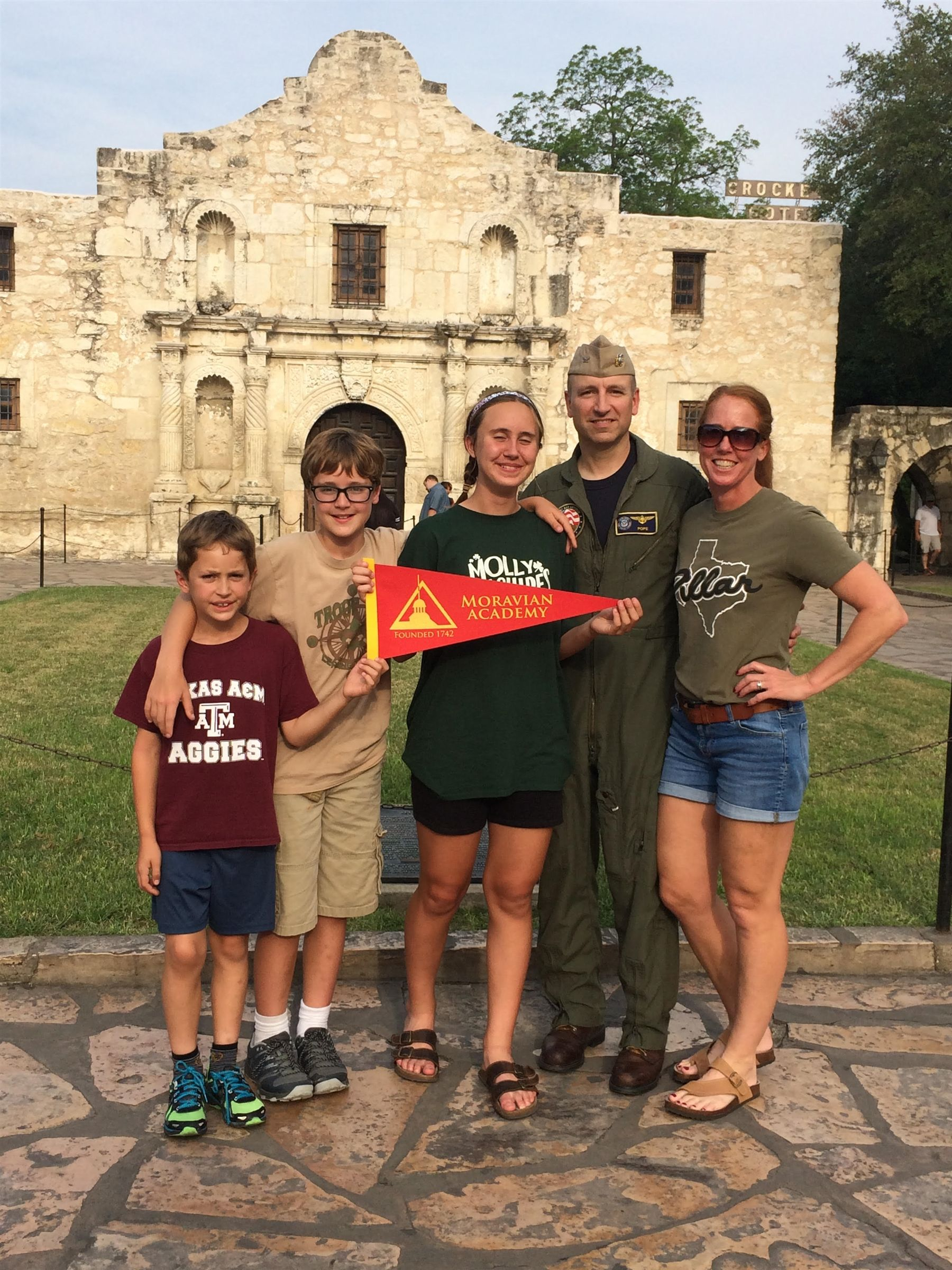Greetings from the Alamo in Texas from the Bishop family! L-R: Samuel, Thomas, Kerry, Andy '89, and Linda