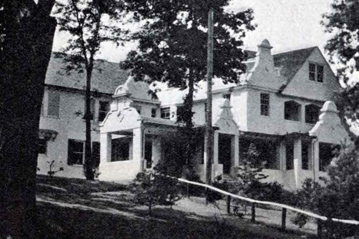 1910 photo of Hamden Hall's old campus located just outside New Haven,CT