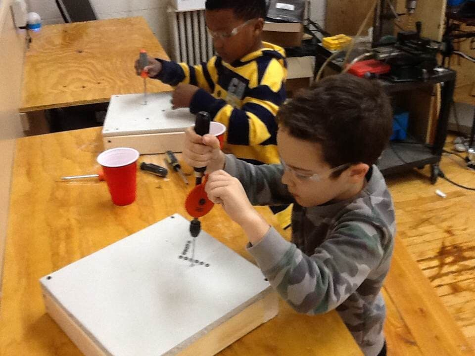 Extended day students work hands on in our maker space design lab