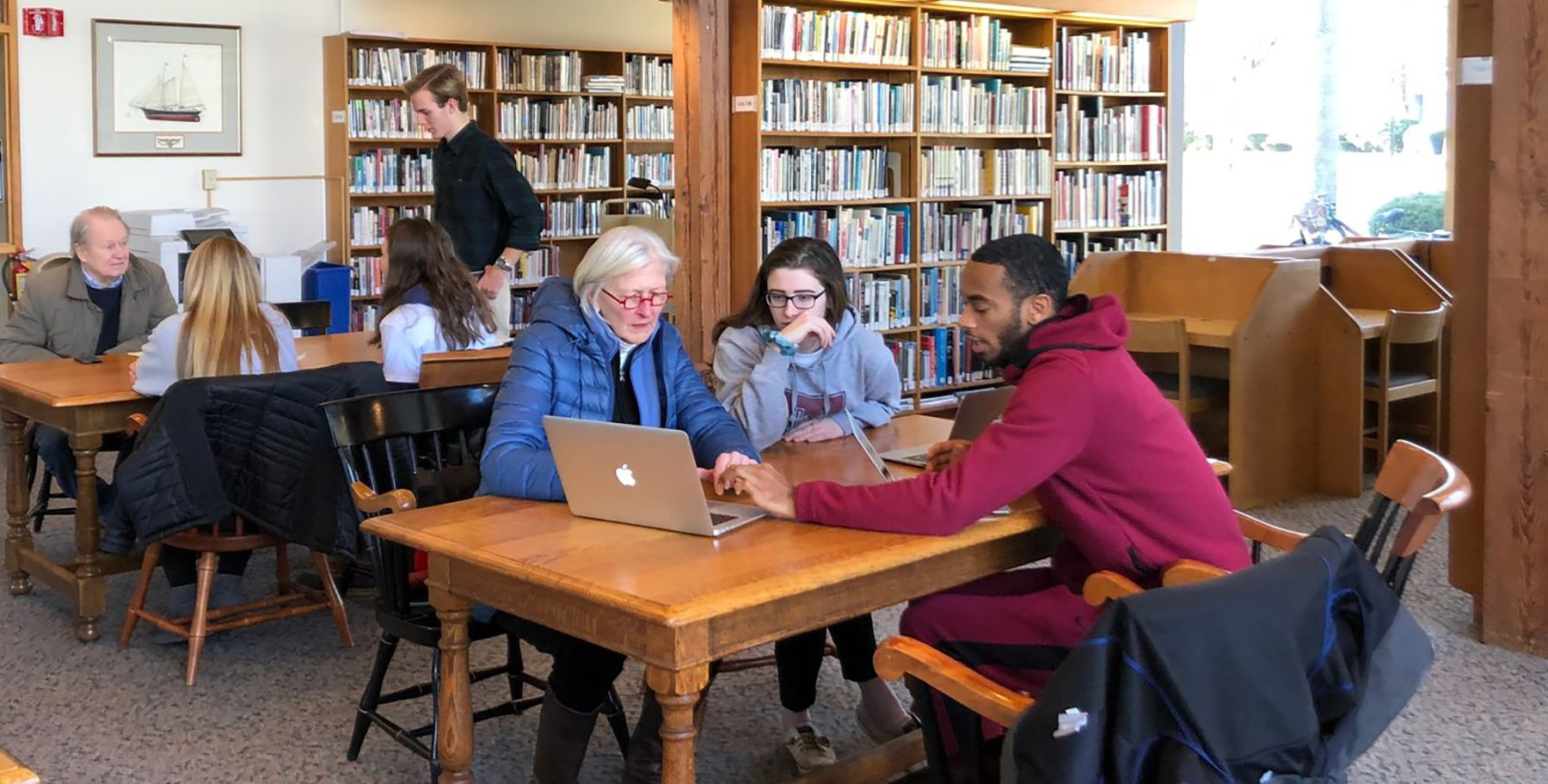 Tabor students giving tech help in Hayden Library